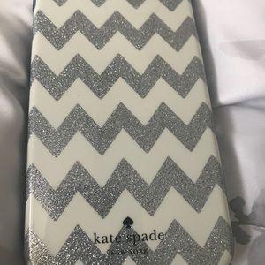 Kate Spade IPhone 7s Plus chevon case